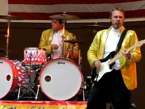 Steve Moore the Mad Drummer - Sharp Dressed Man (ZZ Top cover) photo