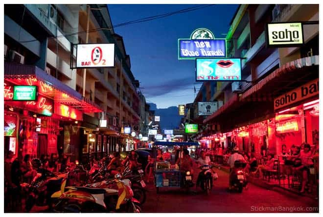 thailande-pattaya-street-by-night