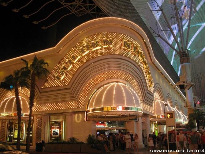 Las Vegas : the Fremont Street Experience - Summer of 69 photo 4